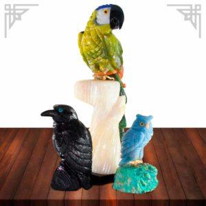 雕刻在半宝石中的动物